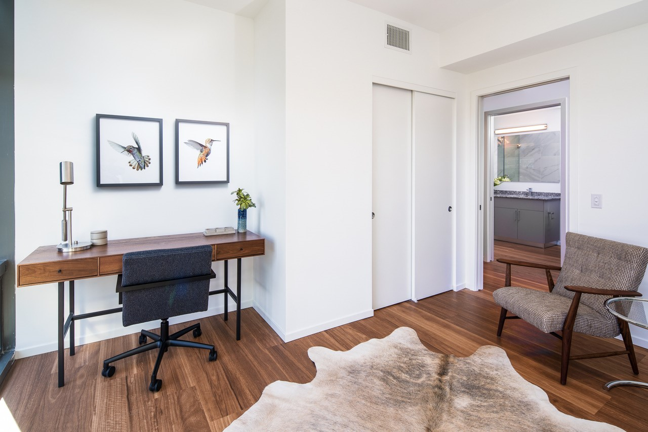 Home office at Optima Kierland Apartments