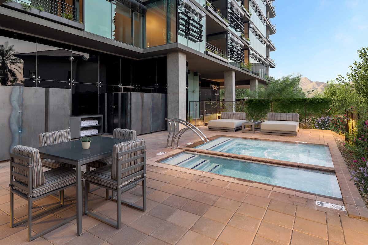 One of the spas and cold plunges in the 7140 Tower at Optima Kierland Apartments
