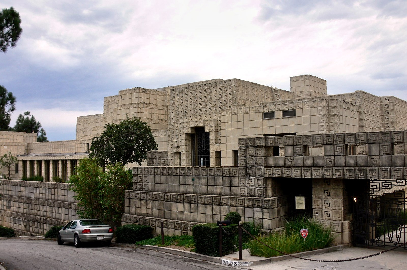 Ennis House, 1924, Frank Lloyd Wright — a Textile style/Mayan Revival home