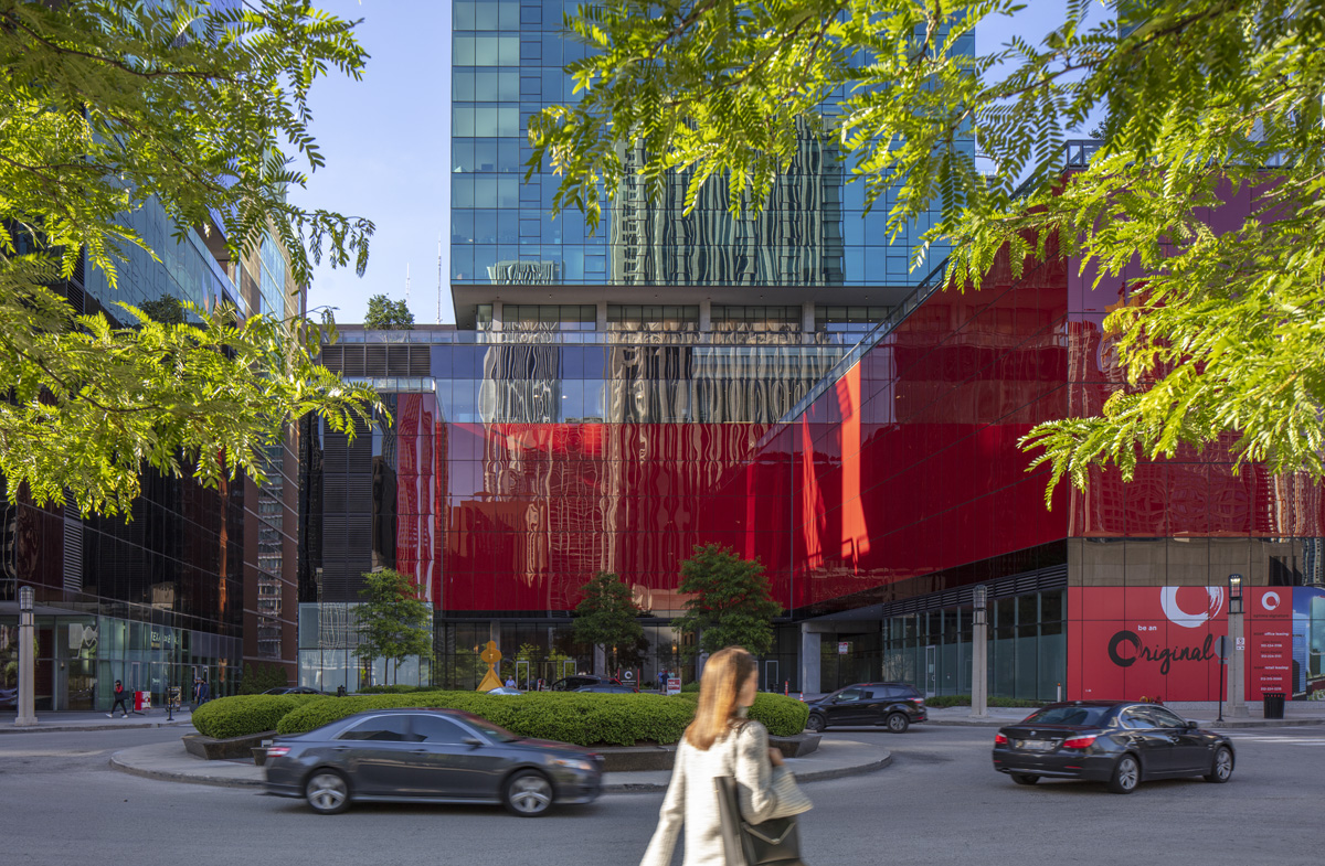 Retail-space-filled plaza at Optima Signature