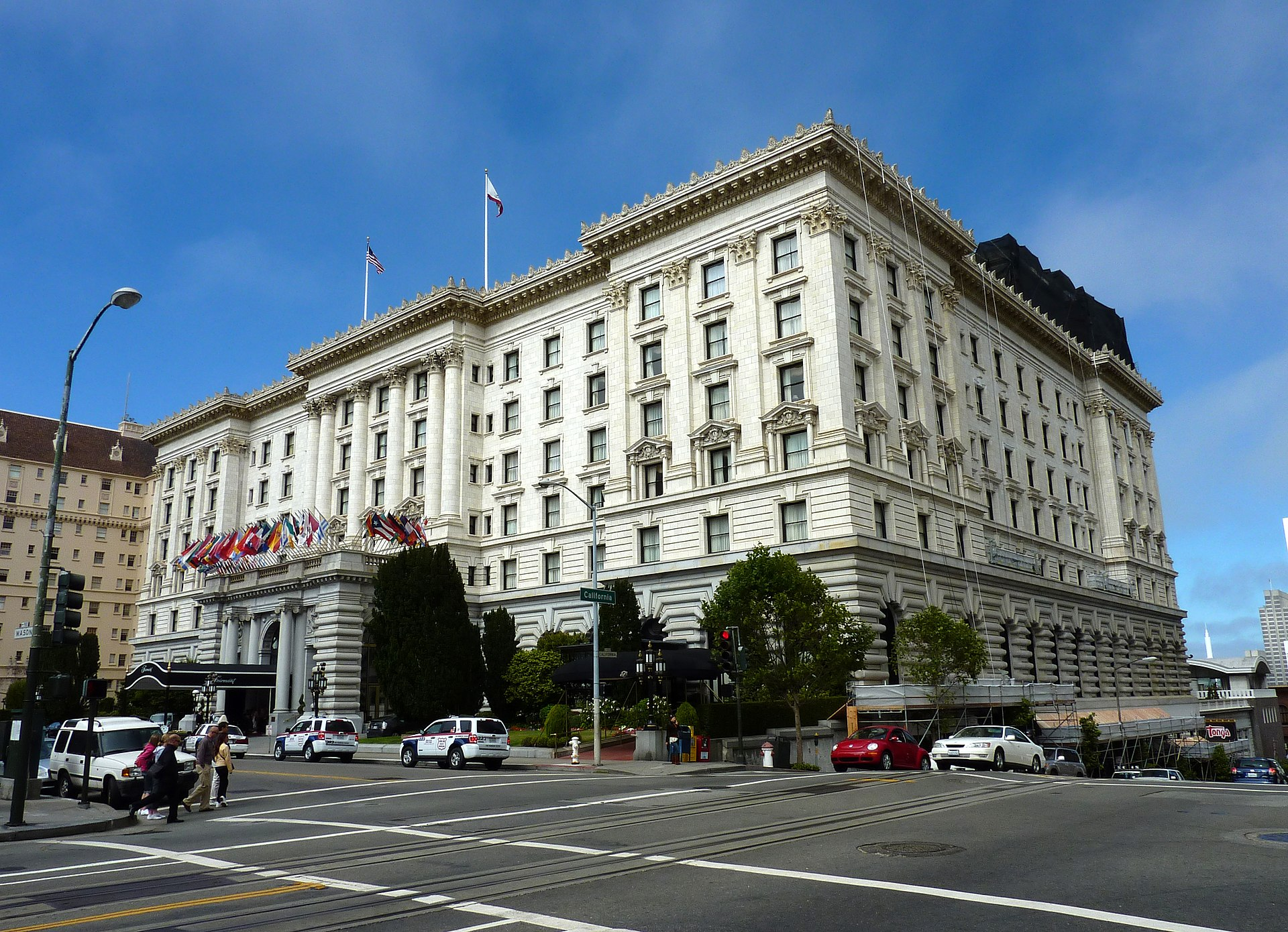 Fairmont Hotel in San Francisco, redesigned by Julia Morgan (1907)