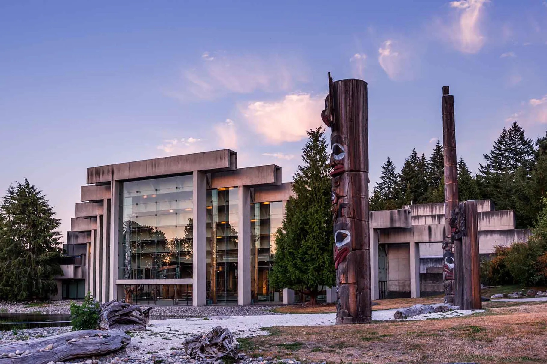 The grounds and reflecting pool of the Museum of Anthropology at the University of British Columbia, designed by Cornelia Oberlander / Museum of Anthropology at the University of British Columbia